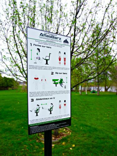 Panneau banc danville atlasbarz 375x500 Exerciseurs pour parc