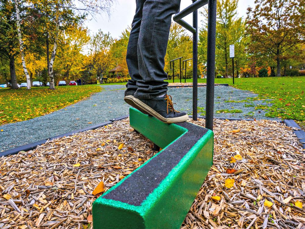 exercice personne age atlasbarz Comment éviter les chutes chez les aînés