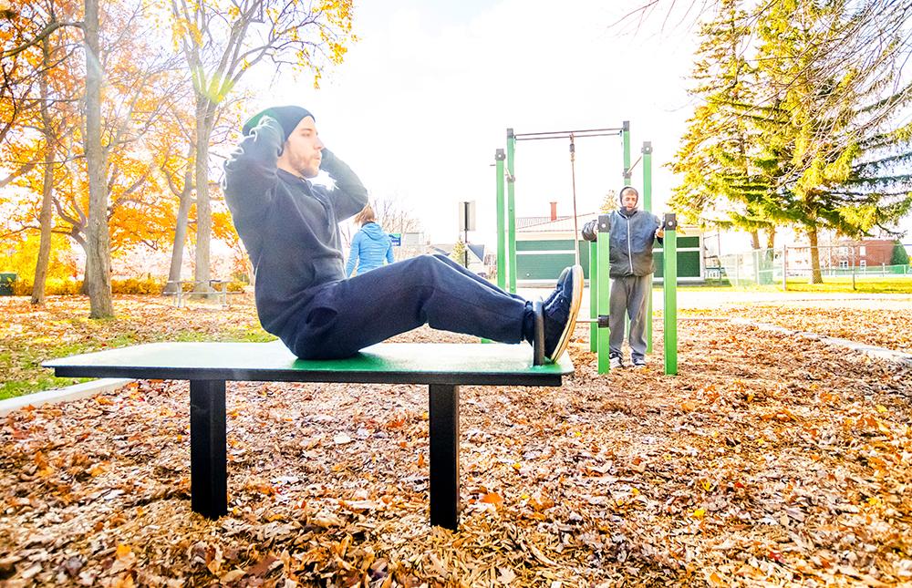 sit up exercice dehors Bancs pour abdominaux