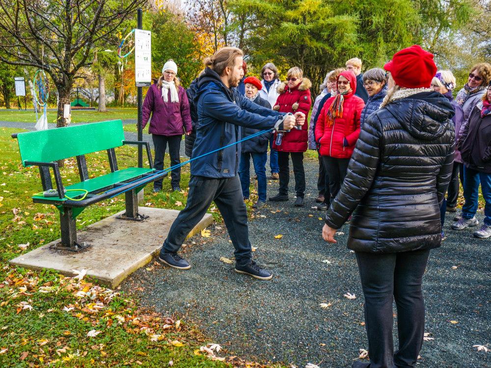 banc multifonction elastique exercice plein air Exercices sur banc de parc – Pourquoi choisir notre banc multifonction