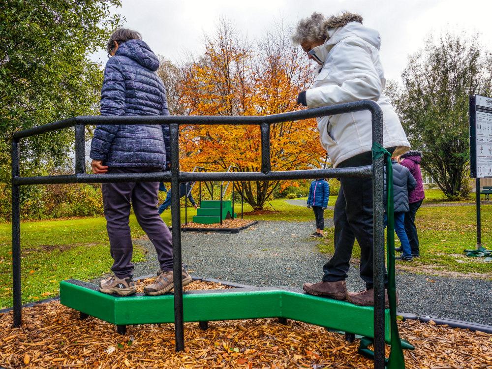 poutre equilibre ainé atlasbarz Comment éviter les chutes chez les aînés