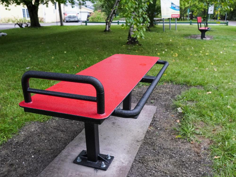 banc exercice extérieur ville atlasbarz 1000x750 1 Outdoor fitness trail, Dégelis