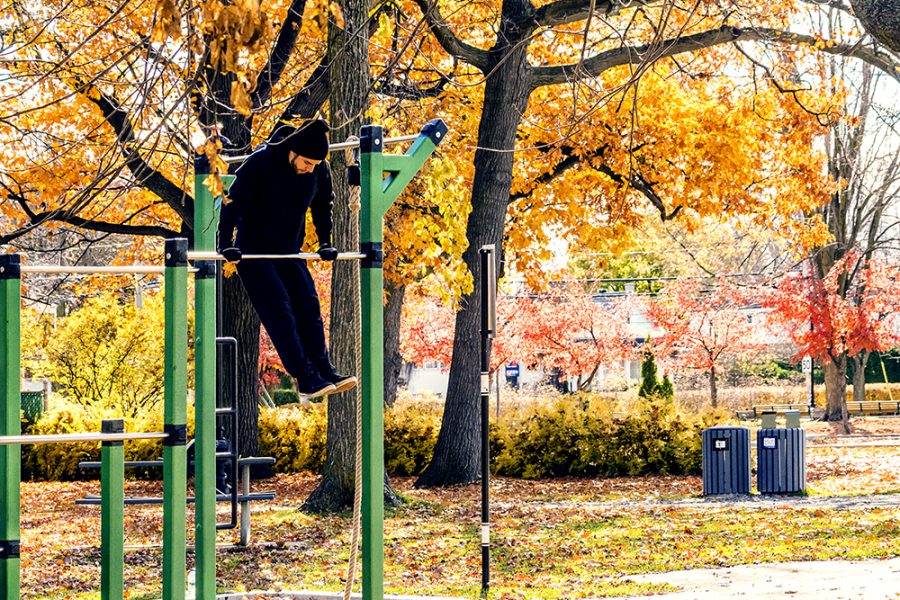 muscle up on a pull up bar atlasbarz 900x600 Blog